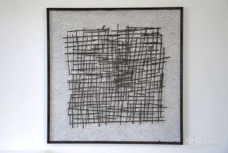 《碳化的线—3》 不锈钢丝、木炭 ,120x120x2cm,  2017